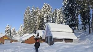 Gulmarg sees domestic tourists with full hotel bookings