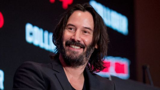 All hail regular guy Keanu Reeves, king of the airport