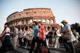 Rome's new law to stop tourists' misconduct and harmful behaviours reshaping its tourism