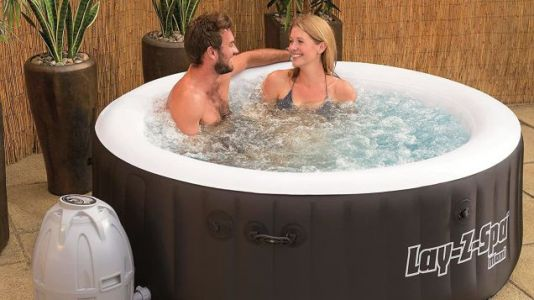 Cold Weather Getting Under Your Skin? Invest in the Best Inflatable Hot Tub To Warm Your Weary Bones