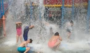 Temporary shutdown of Water Park in England, 30 children got ill