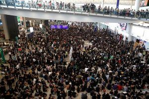 Hong Kong Airport cancels all outbound flights; Thousands of passengers stranded