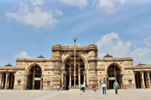 Ahmedabad needs to take care of civic issues to promote its heritage tourism