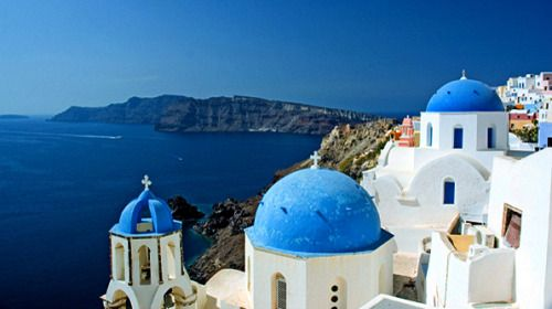 We're dreaming of Greece on this TravelTuesday!