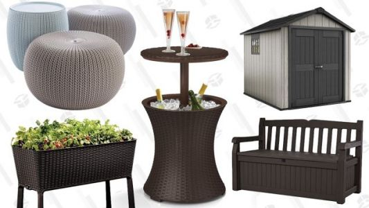 This Oddly Timed Outdoor Furniture Sale Is Nevertheless Full of Great Deals