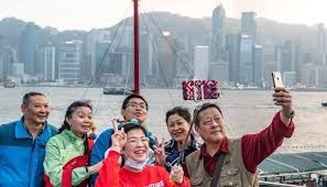 During Lunar New Year holiday, middle aged Chinese tourists used maximum mobile payments abroad
