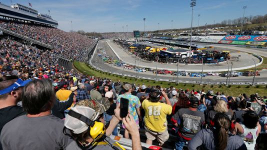 What to Expect on Your Cheap Race Weekend
