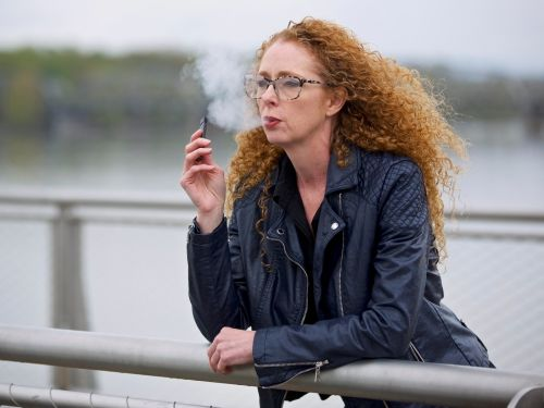 Officials just confirmed 7 deaths and 530 cases of serious lung disease tied to vaping. Here are all the health risks you should know about