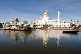 Brunei draws Indonesian tourists in huge numbers