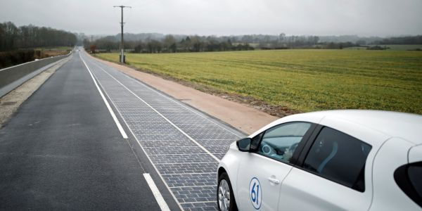 Photos show the world's first solar road that's turned out to be a colossal failure because it's falling apart and doesn't generate enough energy