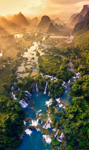 Picture of Ban Gioc waterfall wins first at 'Vietnam from above' photo contest
