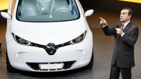 Renault Keeps Carlos Ghosn as Chairman and CEO Following Nissan Misconduct Accusations