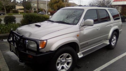 At $15,000, Could This Diesel-Converted 2001 Toyota 4Runner SR5 Leave You Rattled?