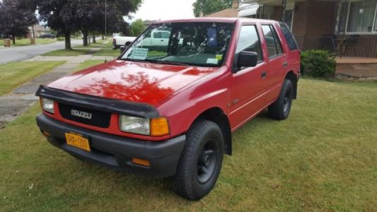 At $1,400, Could This 1995 Isuzu SUV Be Your First Rodeo?
