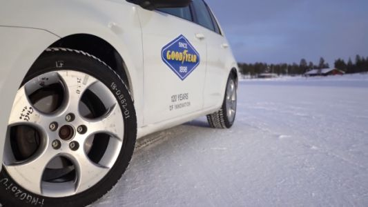 This Is How Different Wheel Sizes Affect Winter Tire Performance