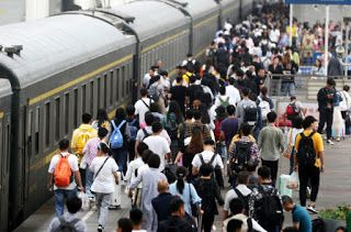 China reports record National Day railway passenger trips