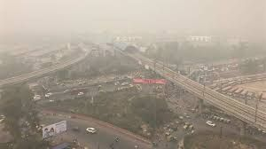 Foreign tourist numbers fall in Delhi due to severe air pollution