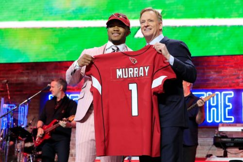 Here's every pick from the first round of the 2019 NFL draft, and how they compare to expert predictions