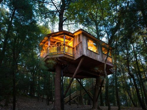 Travel website Booking.com released a list of the most unique hotels in all 50 states - here all the coolest places to stay