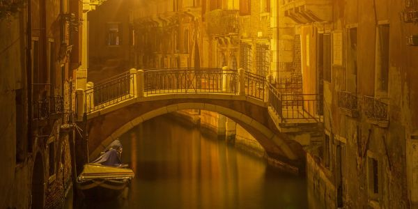 Giants, Spirits and the Holy Grail? Unravel the Mysteries and Legends of Venice