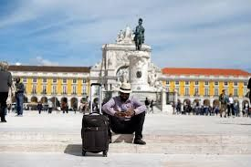 Number of foreign tourists to Portugal declining