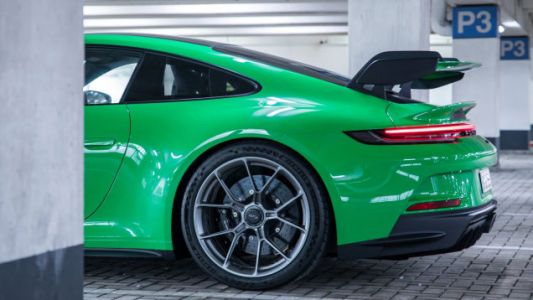 Important: The 2022 Porsche 911 GT3 Comes In One Of Porsche's 72 Shades Of Green