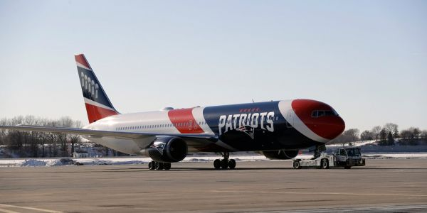 Patriots lend team plane to Parkland students and families for trip to DC for 'March for Our Lives' rally