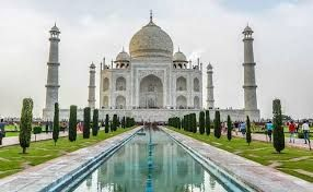 Agra Mayor insists on reopening the Taj