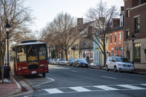 All Aboard for a Fall City Walking Tour in Virginia!