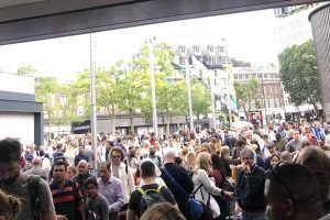 King's Cross closes for Bank Holiday, expect severe disruption