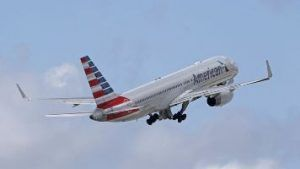Parents angry at American Airlines for not feeding children during delay