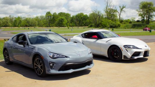How the 2020 Toyota Supra Compares to the Toyota 86 in Real-World Driving