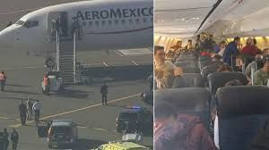 Passengers detained in Aeromexico plane on Oakland tarmac