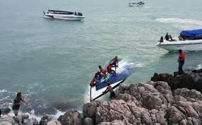 China drafts strict norms for online tour operators after Thai boat mishap