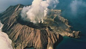 White Island volcanic eruption: Police launched investigation after 5 killed