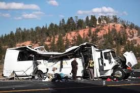 Bus with Chinese-Speaking Tourists On-Board Crashes in Utah, 4 Killed