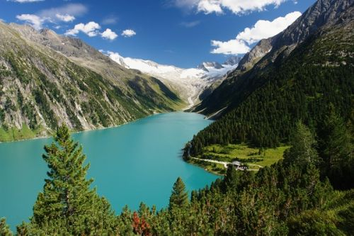 5 Incredible Day Hikes in Europe to Reach by Train