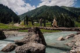 Kashmir to reopen in a phased manner