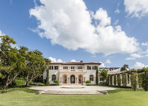 An estate in one of Florida's ritziest neighborhoods is on the market for $48 million - and it could become the most expensive home ever sold in the ultra-wealthy community. Here's a look inside the sprawling mansion