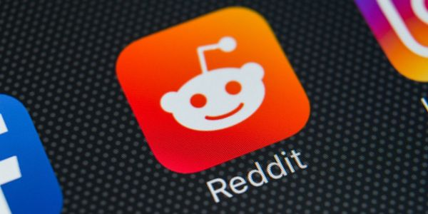 How to comment on Reddit posts or reply to other comments on desktop or mobile