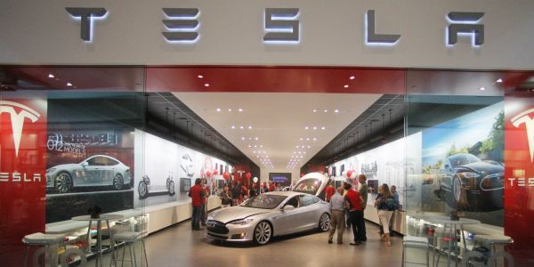 More layoffs expected at Tesla as the company shutters most of its retail stores