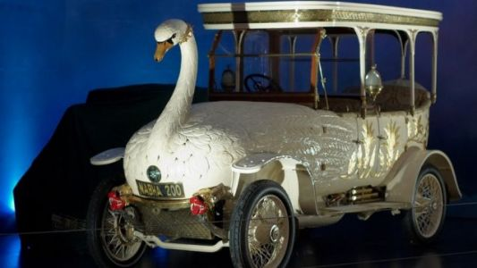 The 1910 Brooke Swan Car is the Most Absurd Thing I've Ever Needed to Drive