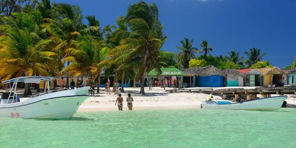 These Dominican Republic Dreamy Offshore Islands Are Well Worth a Hop