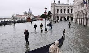Venice is not under water & needs tourists, say locals