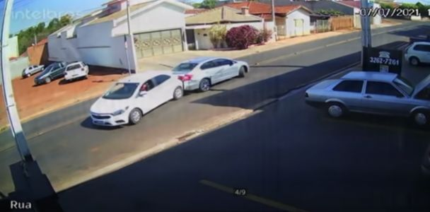 This Is The Most Perfect Rear-Ending You'll Ever See